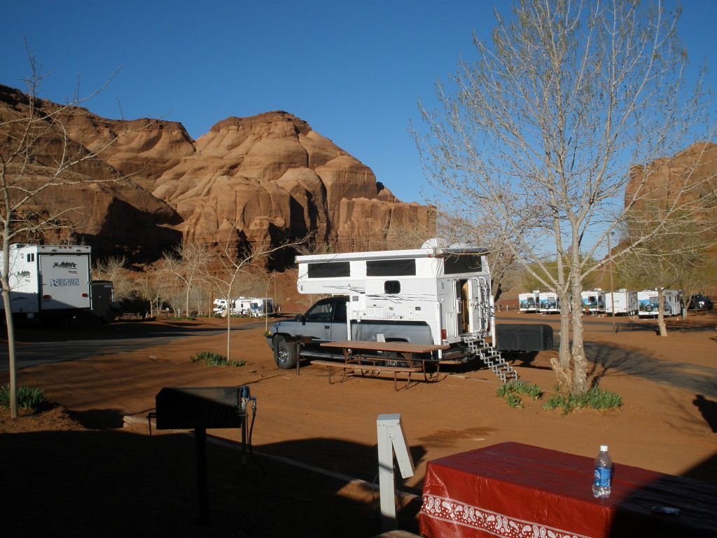 Monument Valley Loop - Goulding's RV Park - Truck Camper Adventure