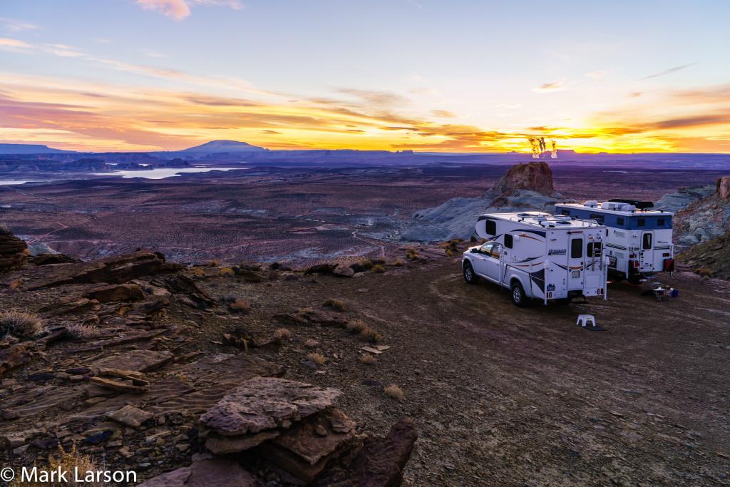 Larson Truck Campers Whazzo