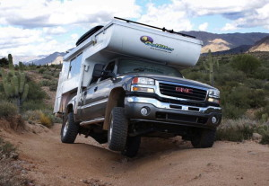 Whazoo Outfitter Apex-8 Truck Camper