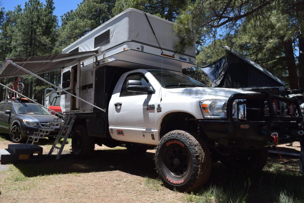 FWC Flatbed Hawk - Truck Camper Adventure
